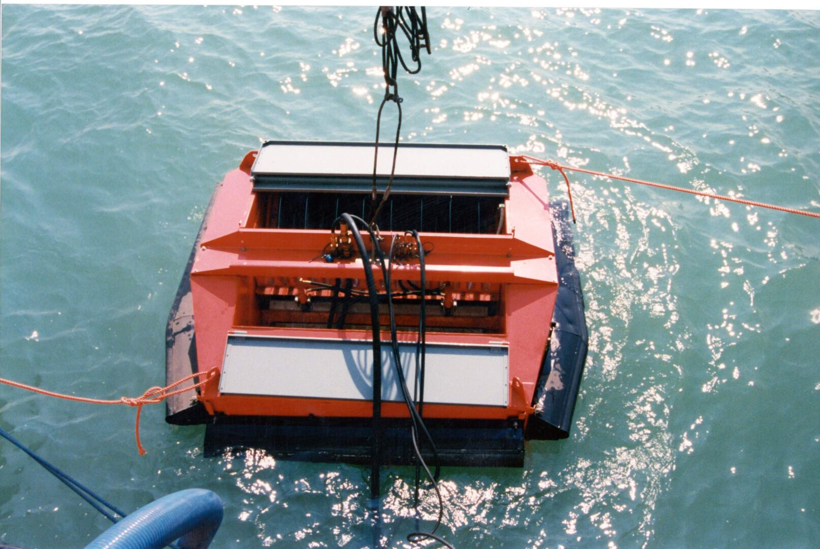 Floating oil skimmer model FD30 - on oil spill on the sea